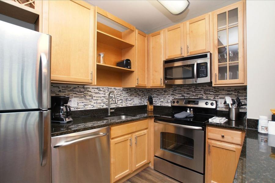 8025 N Bonhomme, Clayton, Missouri, United States 63105, ,Apartment,Furnished,Clayton on the Park,N Bonhomme,1372